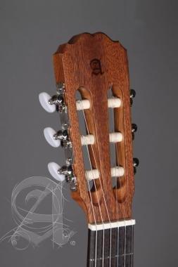 Alhambra ALH-1OP RAlhambra Gitár 1 OP Guitarra (1/2)vörös cédrus, mahagóni, indiai rózsafa fogólap.
