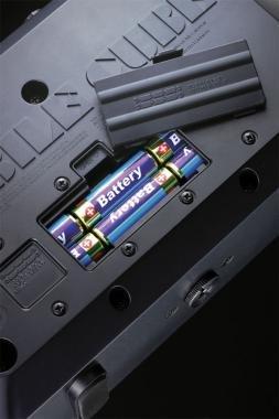 Roland MB-CUBE sztereó erősítő elemmel is működik 5W 2X4